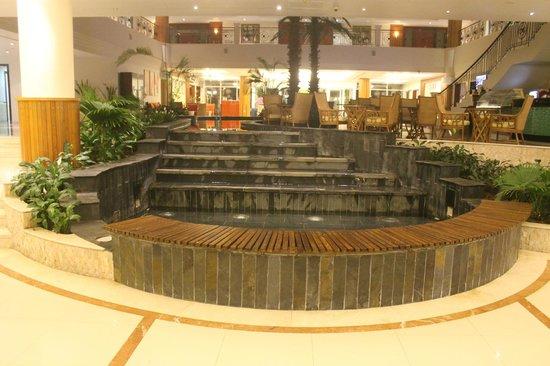 Fujairah Rotana Resort & Spa - Al Aqah Beach : lobby