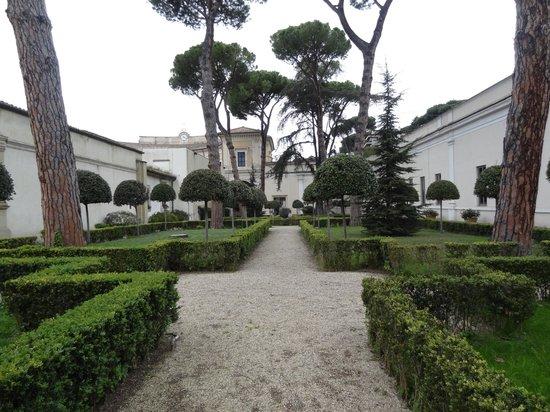 Museo Nazionale Etrusco di Villa Giulia : trädgården