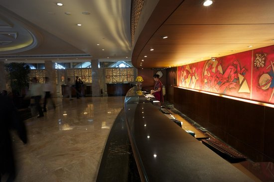 The Taj Mahal Palace : Reception desk