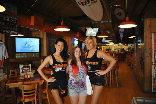 Hooters hampton va specials
