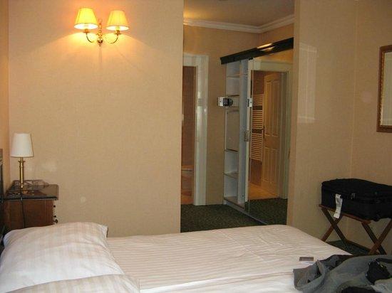 Angelis: Chambre n°20, au 2ème étage côté rue Pivovarzka