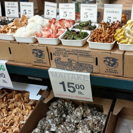 Ferry Plaza Farmer's Market: Mushrooms