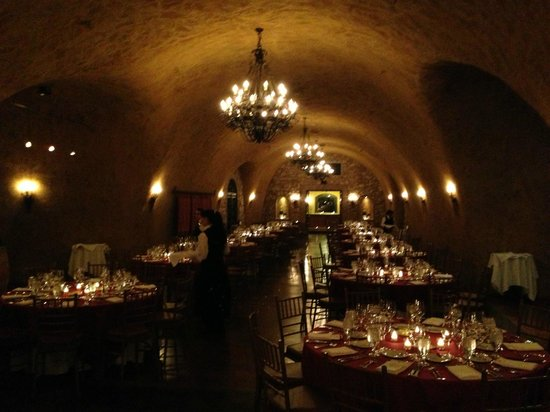 The Meritage Resort and Spa: Dinner in the cave