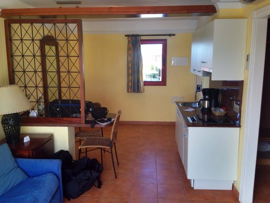 Suite Hotel Atlantis Fuerteventura Resort : Room 6243 near the relax pool