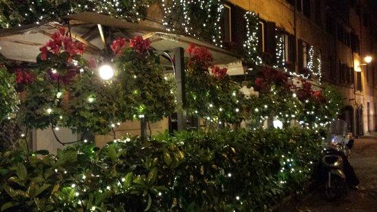 Antica Trattoria Tritone : The front of the restaurant