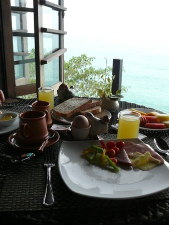 Panviman Resort - Koh Pha Ngan : what a lovely breakfast