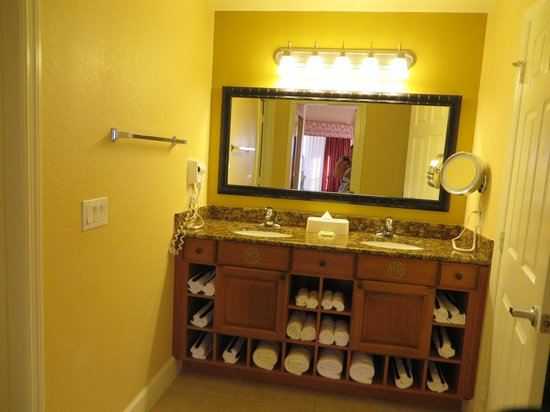 Westgate Town Center Resort & Spa: bathroom