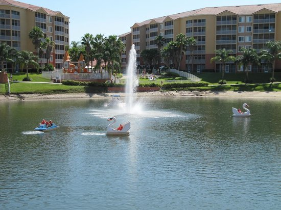 Westgate Town Center Resort & Spa : more paddleboats
