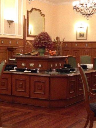 The Oberoi Cecil, Shimla: Restaurant