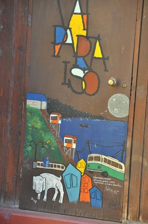 Hostal Cerro Alegre: Valparaiso Grafitti