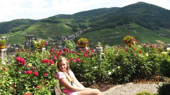 Faxe Schwarzwaelder Hof: Дочка на фоне Шварцвальдских красот