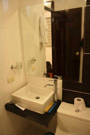 Waman Hotel : banheiro