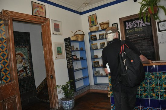 Hostal Cerro Alegre: Hostal Rezeption