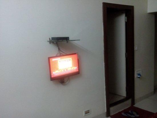 Hotel Gurjas: single room, non AC