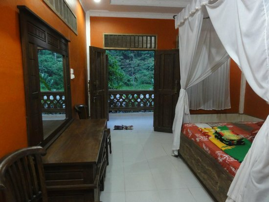 MBoy Guest House & Coffee Shop: bedroom