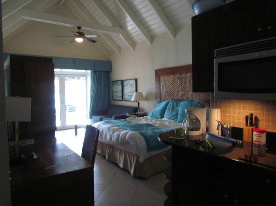 Divi Little Bay Beach Resort: Room, Building D or E?, room 428, 2nd story room