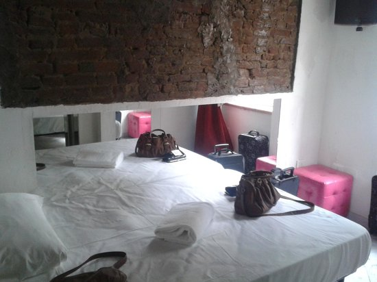 Mazzini 16 Downtown : Schlafzimmer