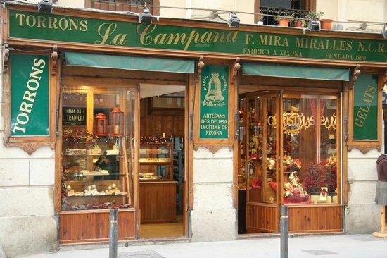 Fachada tienda c princesa 36 barcelona fotograf a de for Restaurante la campana barcelona