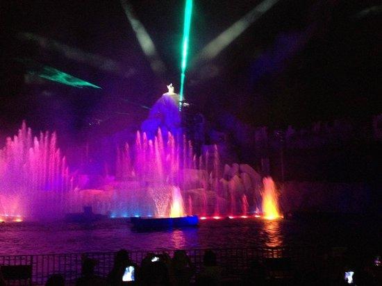 Fantasmic!: show