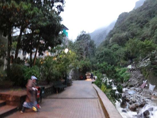 Terrazas del Inca Bed and Breakfast: calle del hotel