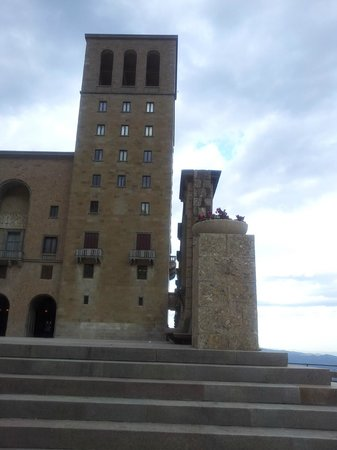 Barcelona Turisme - Afternoon in Montserrat Tour : SI PUDIERA PROTESTAR...