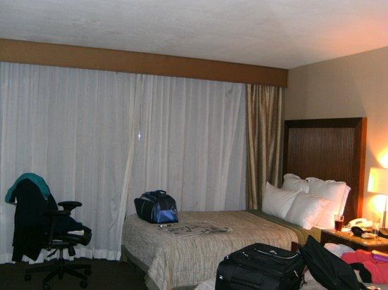 Handlery Hotel San Diego: Our room, very comfortable