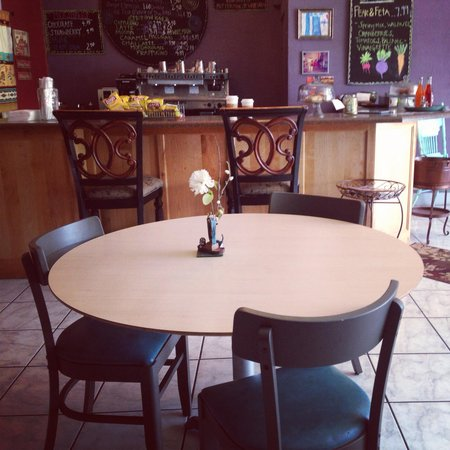 Galiano's Cafe & Smoothies: Very clean/ Love the decor