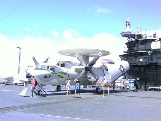 Handlery Hotel San Diego : Aircraft Carrier USS Midway