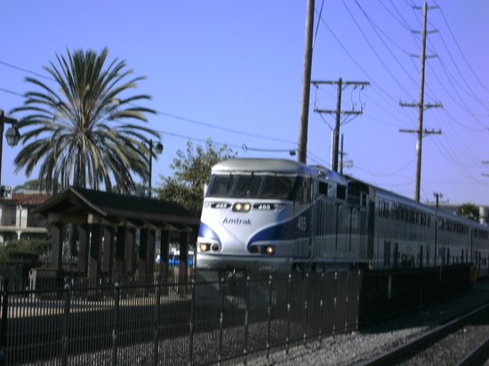 Handlery Hotel San Diego: Amtrak Coastal Train at Old Town Station