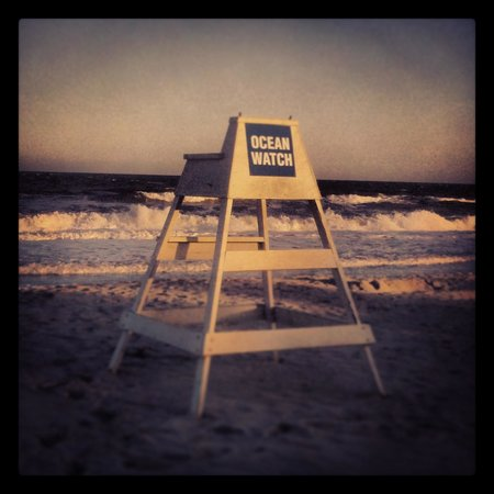 Myrtle Beach Marriott Resort & Spa at Grande Dunes: LifeGuard chair by the Resort