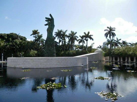Miami Tour Company: Holocaust Memorial