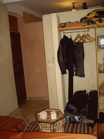 Riad Sidi Mimoune : Placard chambre..à revoir ?