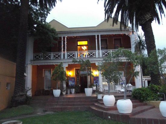 Ashanti Lodge Gardens: The Colonial style front