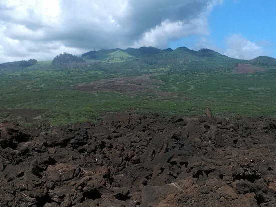 Lava Fields: Up the mountain