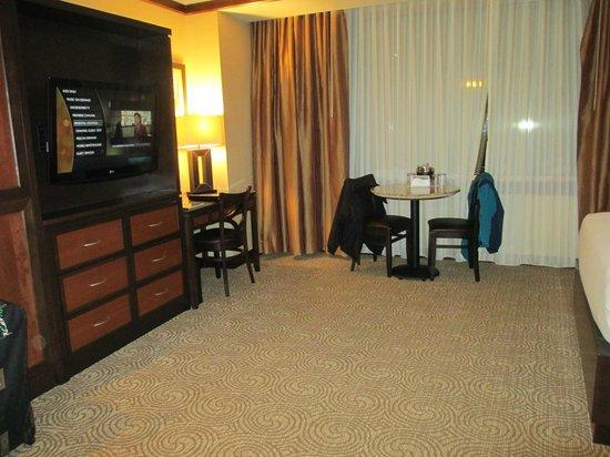 Downstream Casino Resort: Spacious room