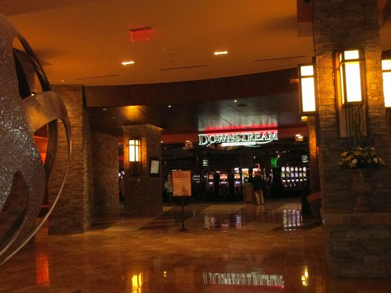 Downstream Casino Resort : entrance to casino