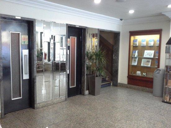 Hotel Excelsior: Hall de entrada