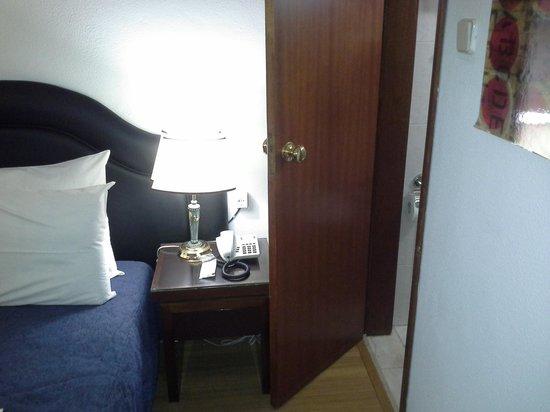 Hotel Excelsior: entrada para banheiro quarto duplo