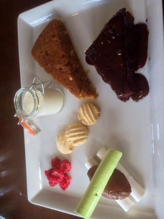 Marriott Forest of Arden Hotel & Country Club: gluten and dairy free desert for mothers day made specially for me by christina dugard, head che