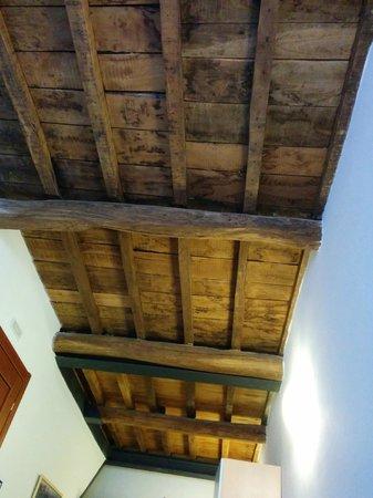 Case Vacanze Scorci Di Mare: Rustic high ceilings