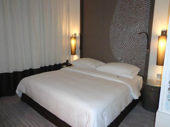 Vida Downtown: King size bed