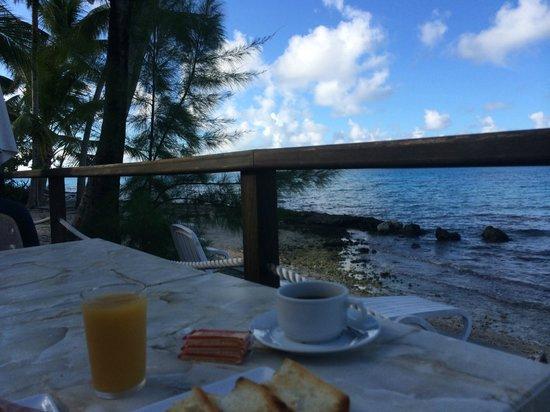 Hotel Raira Lagon : vue terrasse du restaurant