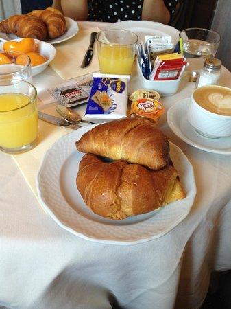 Colonna Palace Hotel : colazione