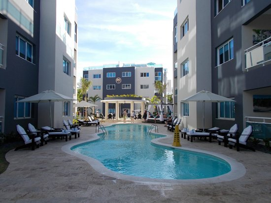 Presidential Suites - Punta Cana: Vista de piscina