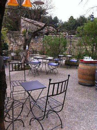 La Table du Meunier: La terrasse