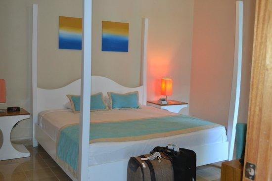 Presidential Suites - Punta Cana: Habitacion principal, amplia, luminosa con baño en suite