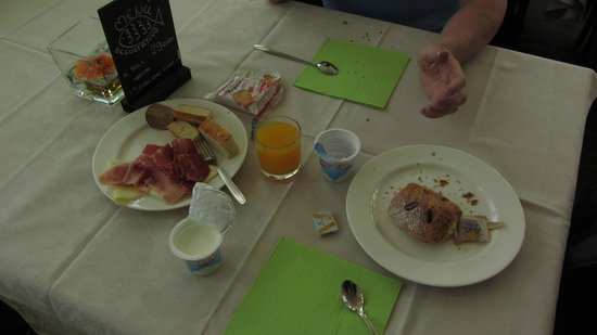 Paquito Hotel Casino завтрак