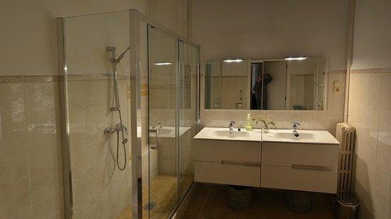 7 Moons: Salle de bain