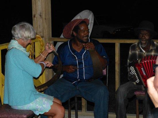 "Tail Winds Resort: Scratchin' the Saw at ""Da Smoke Pot"""