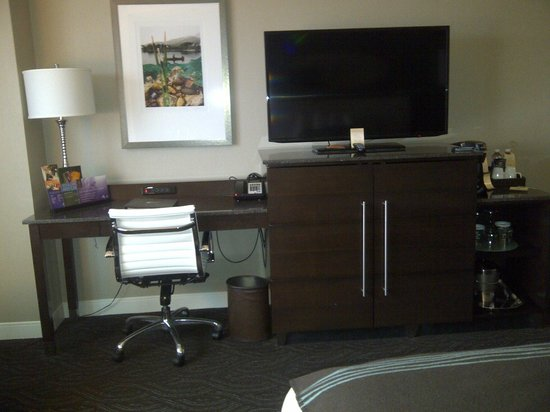 Northern Quest Resort & Casino: Room Desk